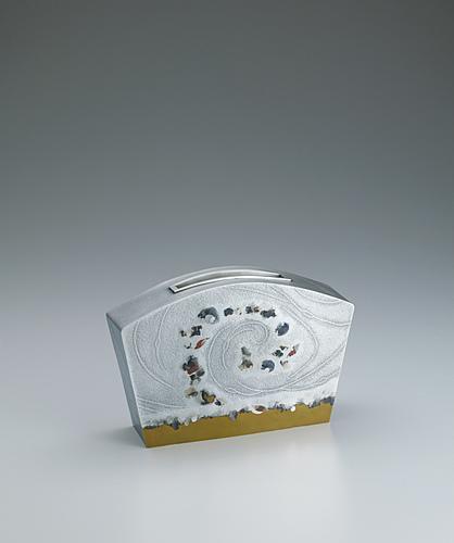 """写真:Flower vessel of silver and brass with stirred design. """"Swirling in the wind"""""""
