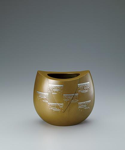 "写真:Flower vessel with design in inlay. ""Raindrops"""