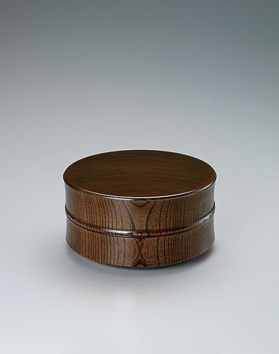 写真:欅造食籠