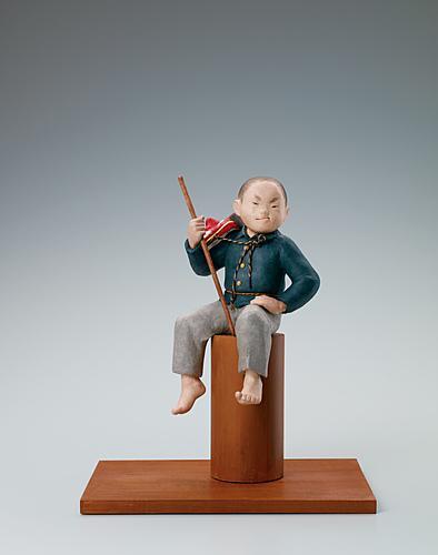 写真:木芯桐塑紙貼「お山の大将」