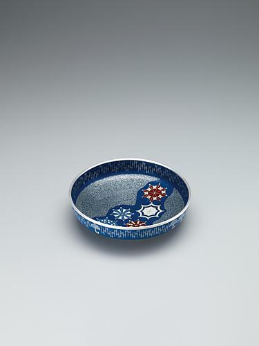 写真:七宝鉢「雨ふり」