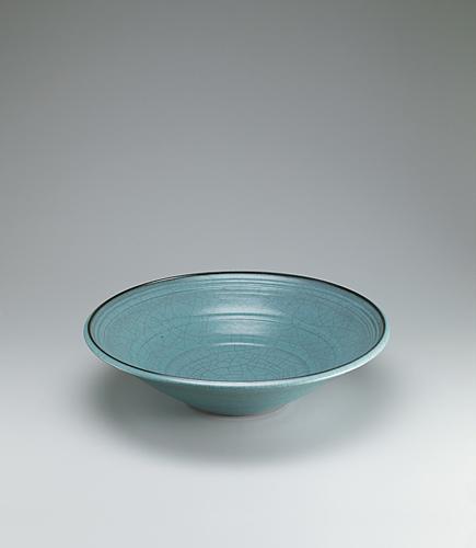 青瓷線彫文大鉢