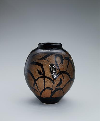 鉄釉粟文壺