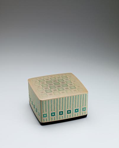 籃胎蒟醬菓子器「緑風」