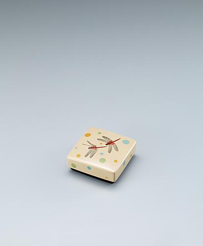 写真:籃胎蒟醬香盒「赤トンボ」