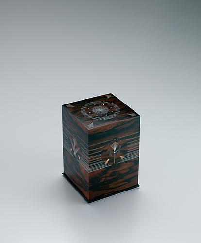 写真:黒柿蘇芳染有線寄木象嵌箱