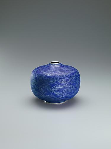 写真:有線七宝花瓶「水光の情趣」