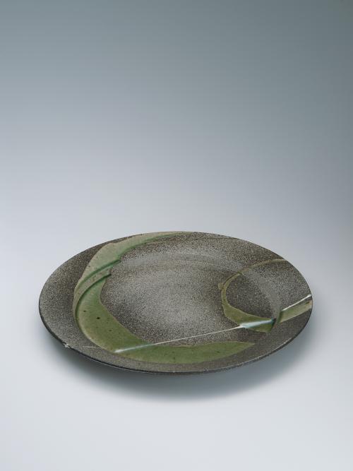 写真:灰釉大皿