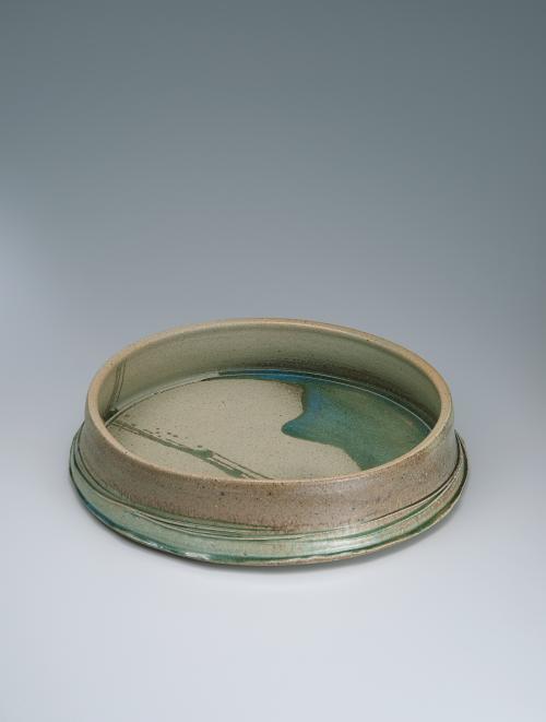写真:灰釉盤