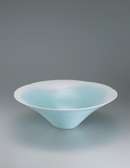写真:青瓷白暈し鉢