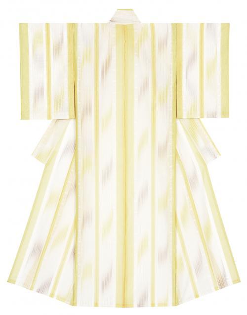写真:縠織着物「絵本と夢」