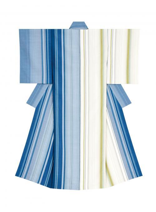 写真:浮縞絹織着物「潮騒」