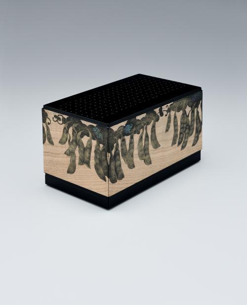 写真:木地蒔絵箱「夏の景」