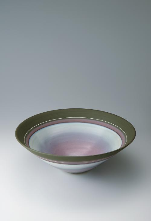 写真:藁灰釉彩泥鉢