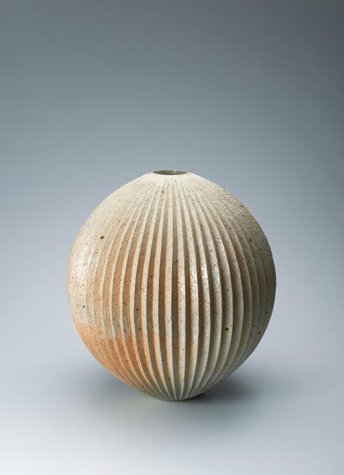 写真:瓷壺