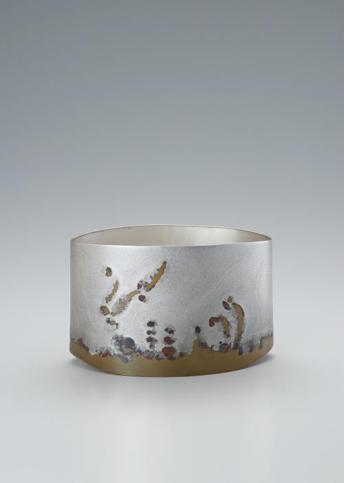 写真:銀黄銅攪拌文花器「流」