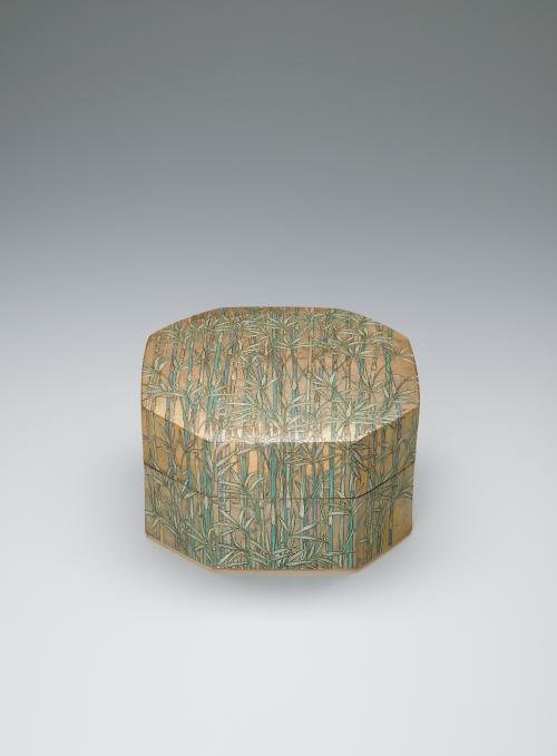 写真:金銀彩八角陶筥「笹」