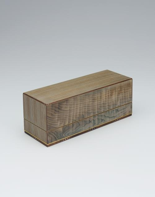 写真:神代杉象嵌小箱「銀波」