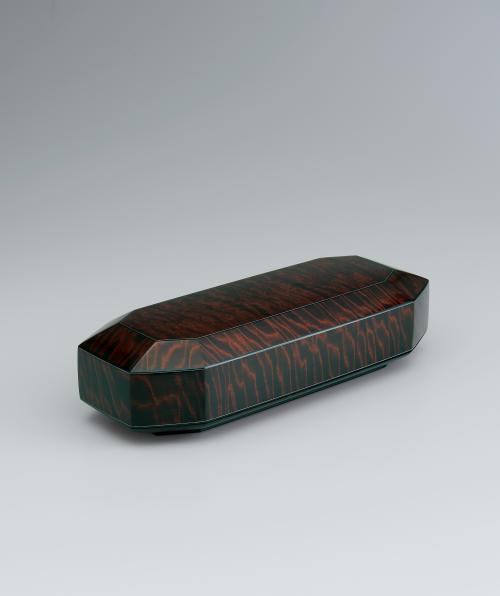 写真:栃拭漆八稜飾箱「信濃の秋Ⅱ」