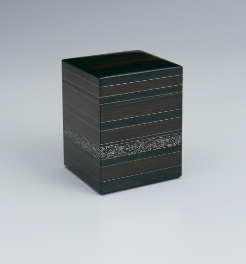写真:縞文様銀象嵌小箱