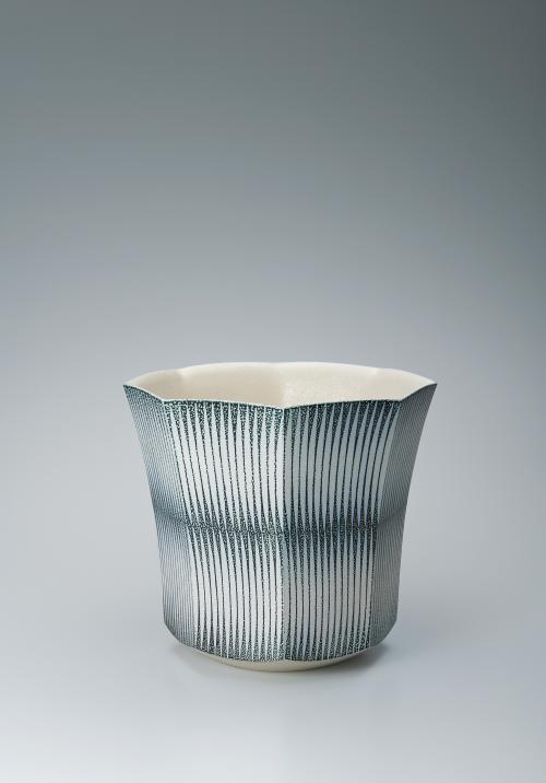 写真:塩釉揺文八角鉢