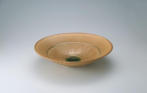 写真:黄瀬戸大鉢