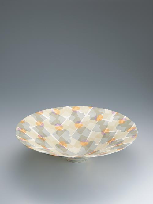 写真:彩色正燕子幾何文鉢