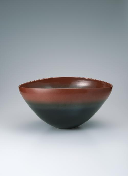 写真:鉄釉鉢