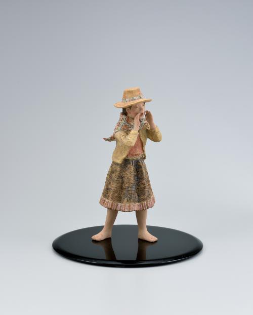 写真:陶釉象嵌「大草原の声」