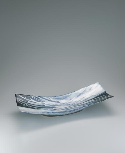 写真:白彩大角長平鉢「しぶき」