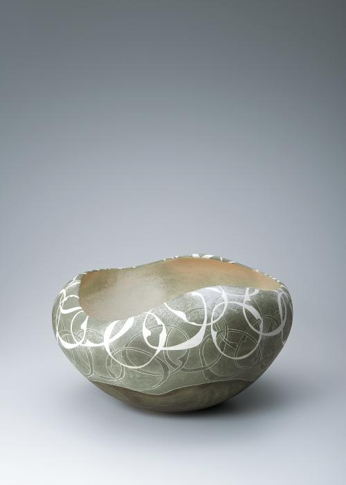 写真:彩泥蓮環文鉢
