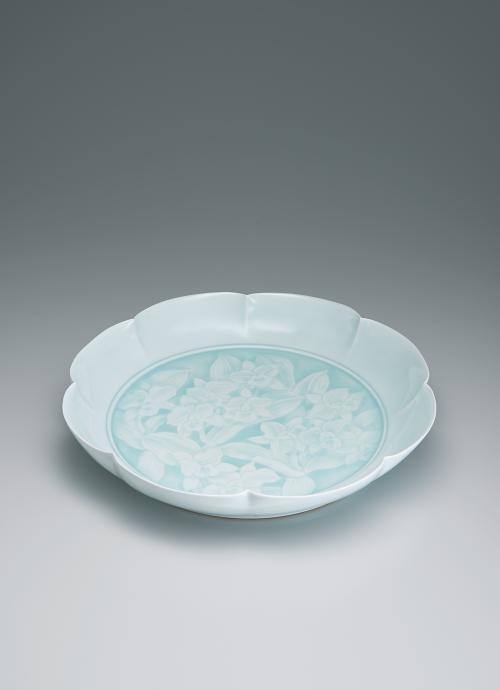 写真:青白磁洋蘭文輪花鉢