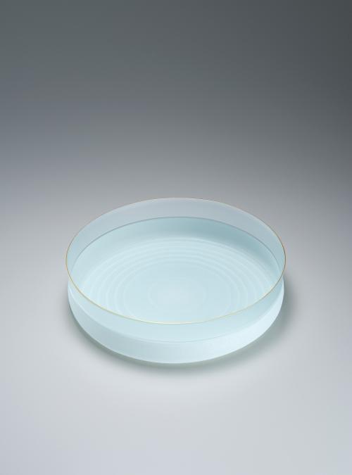 写真:硝子絹糸紋平鉢「一雫」