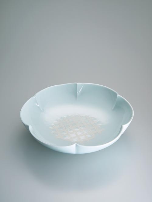 白磁花形地紋鉢