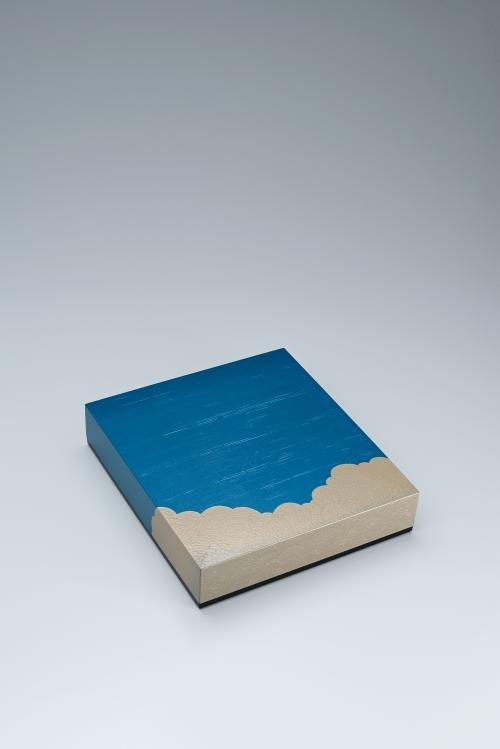 入道雲蒟醬色紙箱