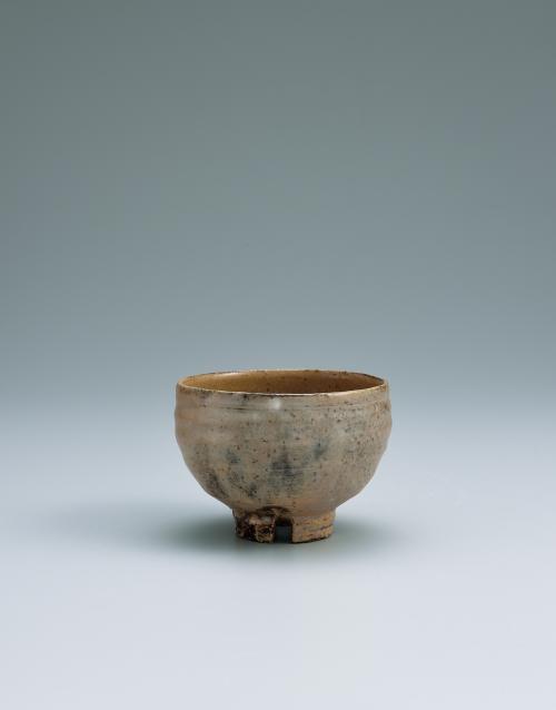 写真:萩割高台茶碗