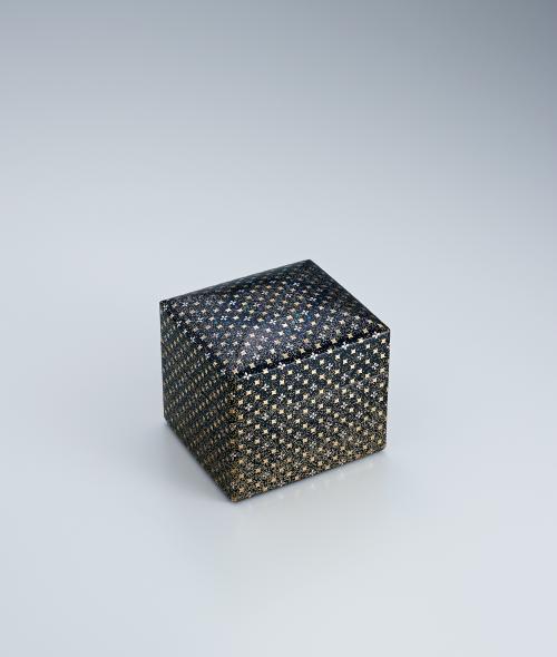 写真:切金螺鈿小箱「露の花」