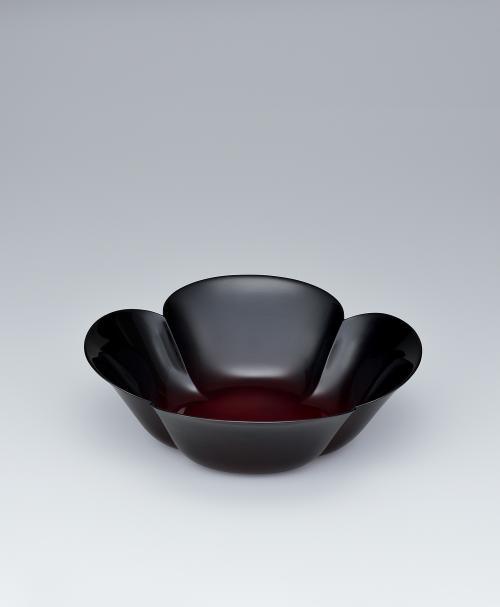 写真:乾漆溜塗鉢