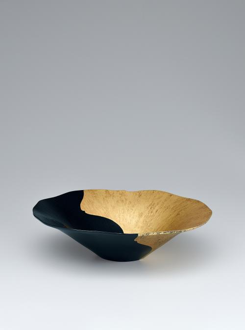 写真:乾漆金彩鉢「夏の日」