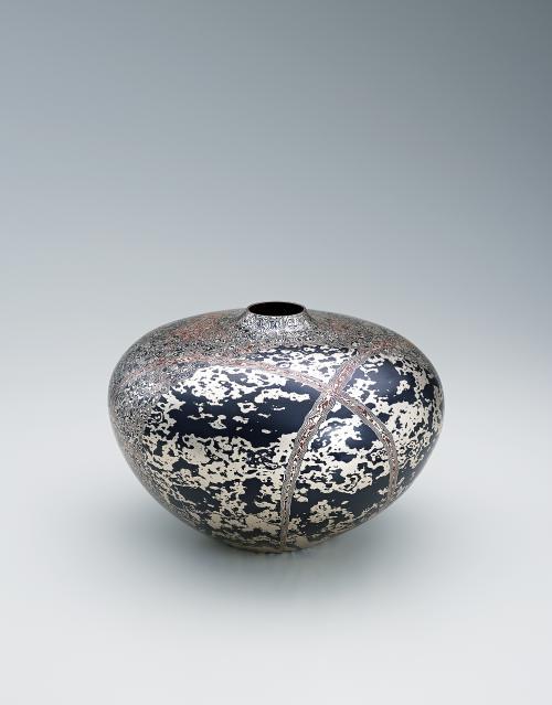 写真:木目金花瓶