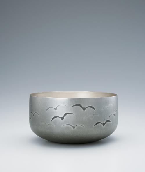写真:南鐐打込象嵌鉢