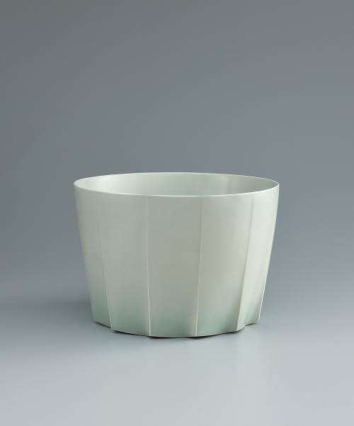 写真:青白磁面取鉢