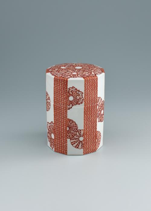 赤絵菊華紋陶筥