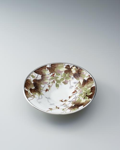 写真:有線七宝草花文飾鉢「草熱」