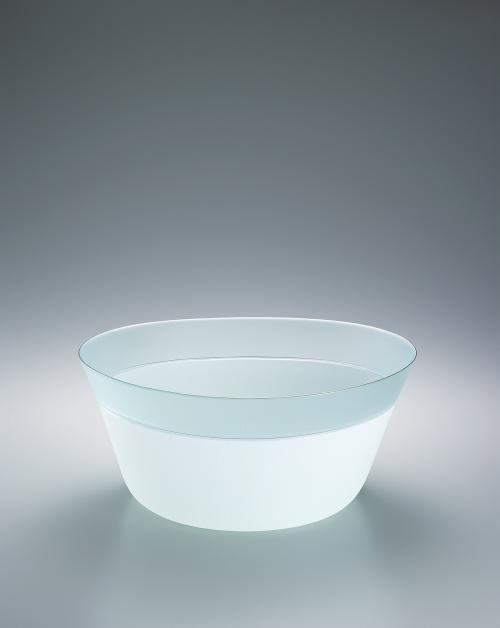 写真:硝子絹糸紋鉢「朧月」