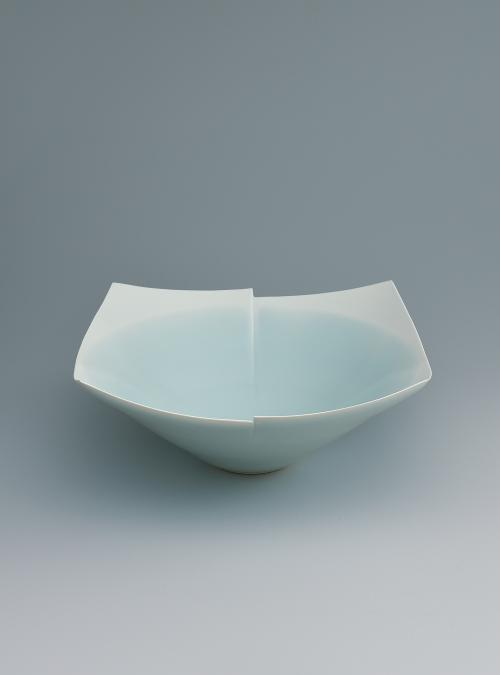 写真:青瓷白暈四角鉢