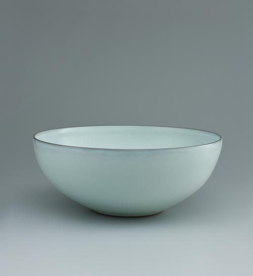 中野月白瓷鉢