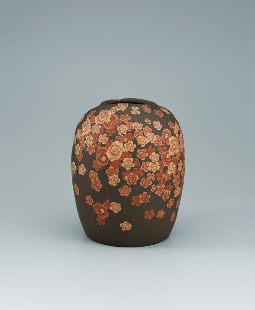 写真:無名異練上花紋壺