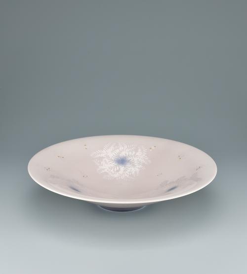 淡桜釉裏銀彩葉文鉢