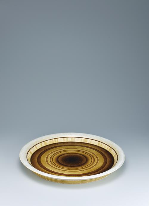 写真:灰釉銀彩輪暈文大皿